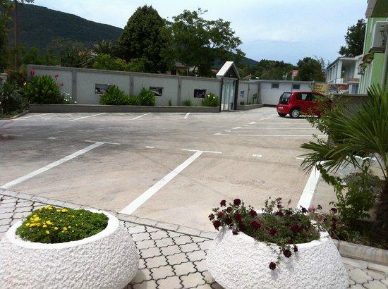 Aruba Hotel: The parking