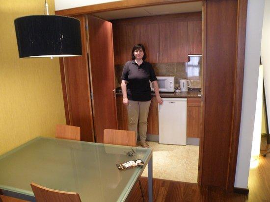 Clarion Suites Lisbon: Kitchen