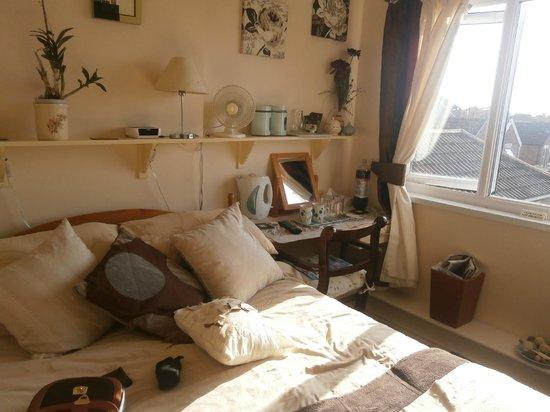 Parasol Guest House: room 6 3rd floor
