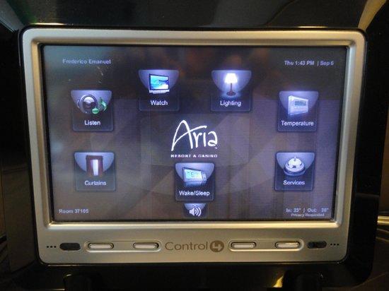 ARIA Sky Suites: Controle remoto do quarto