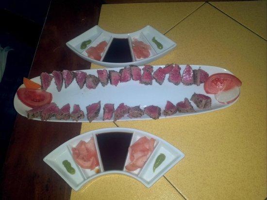 Hotel Las Tortugas -Dining: Sashimi de atun