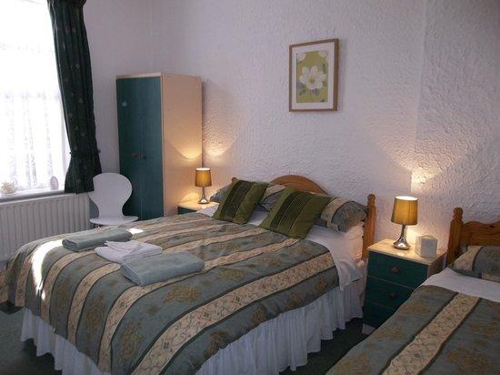 Chantry Villa - Skegness: ground floor bedroom