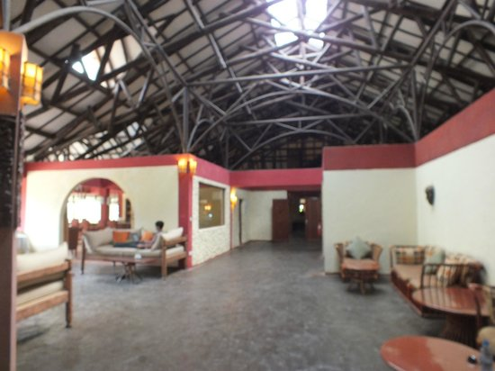 Mara Leisure Camp: Hotel Lobby