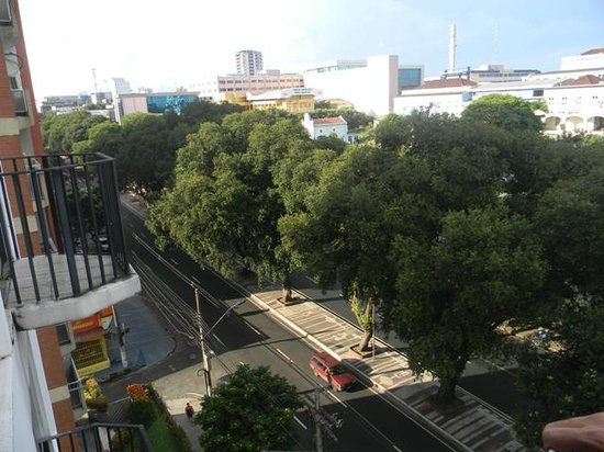 Hotel Brasil Manaus: Vista do apartamento