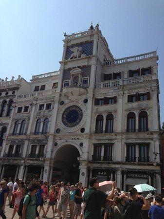 Palace Bonvecchiati: Torre do Relógio