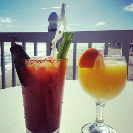 Benny's on the Beach : Great way to start the day