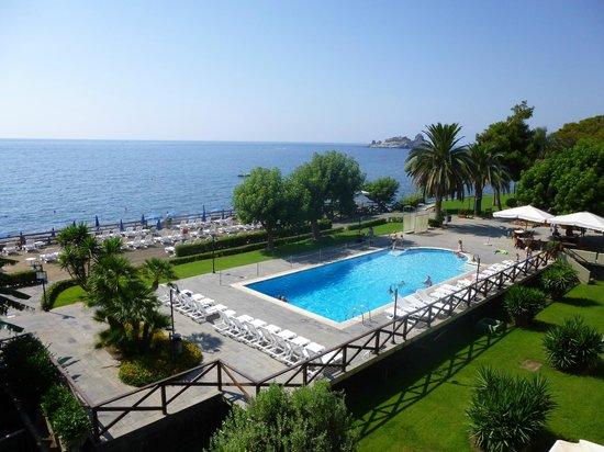 Galatea Sea Palace: La piscine vue de la chambre