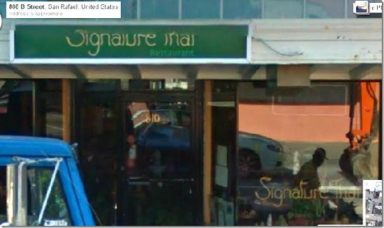 Signature Thai cuisine: The photo that showed next to my review is NOT Signature Thai...it has no outdoor seating.