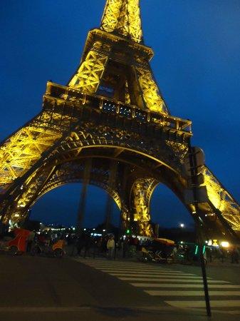 Hotel Alize Grenelle Tour Eiffel: Torre Eiffel