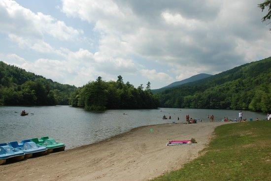 Emerald Lake State Park : Lake