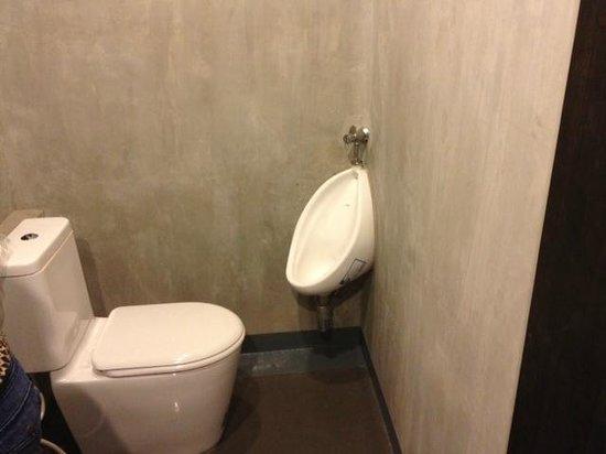 La Villetta Chiangmai: Toilet