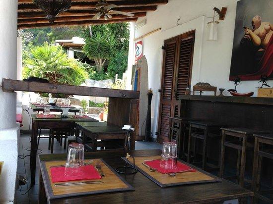 Dom Fortunato: Terrace by street (best)