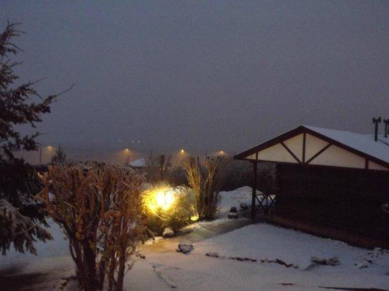 Cabanas Normana Inn: vista da janela e outra cabana