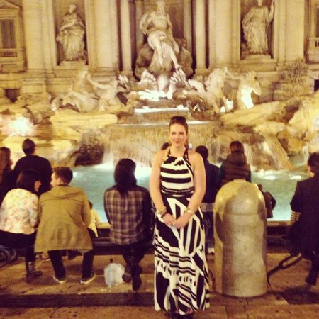 Champagne Palace: Trevi Fountain