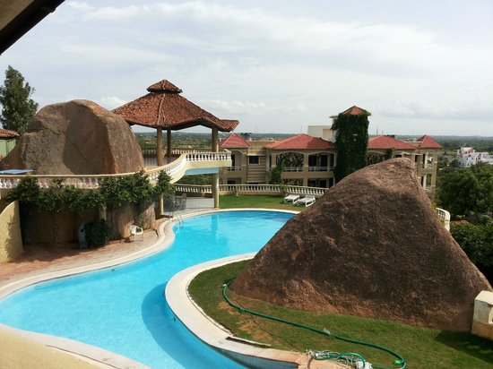 Country Club Medchal : Pool Area