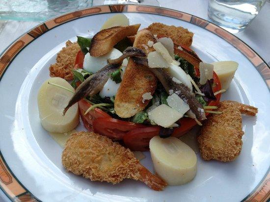 Domaine de Divonne: Petite salade à toute heure en cas de petit creux, délicieuse