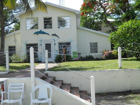Bay Cove Motel : 2 couples can stay comfortably in the 2BR/2BA ground flr