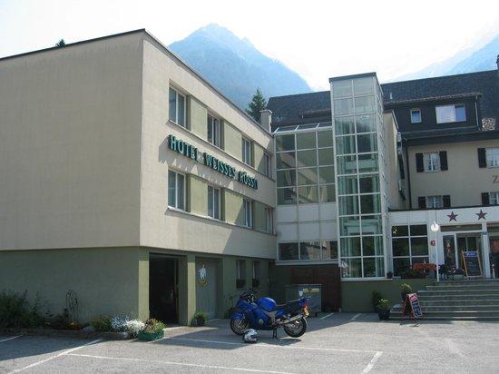 Hotel Zum Weissen Rossli: Rustig gelegen, voldoende parking