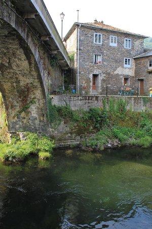 Hotel Rural Cecos: Puente romano