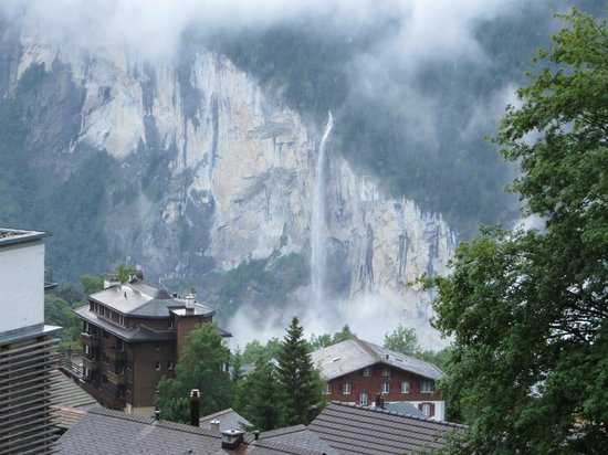 Hotel Falken Wengen: Staubach Falls, from the room, down in the Lauterbrunnen valley