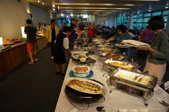 Hotel Mount Racey: More buffet spread