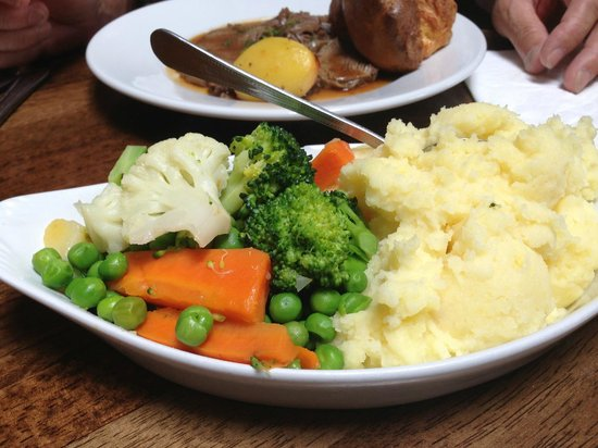 Weirs Bar and Restaurant: Family style veggies