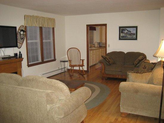 Birchwood Lodge: Farm House - Living Room