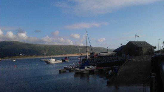 Hendre Mynach Caravan Park: Barmouth Harbour