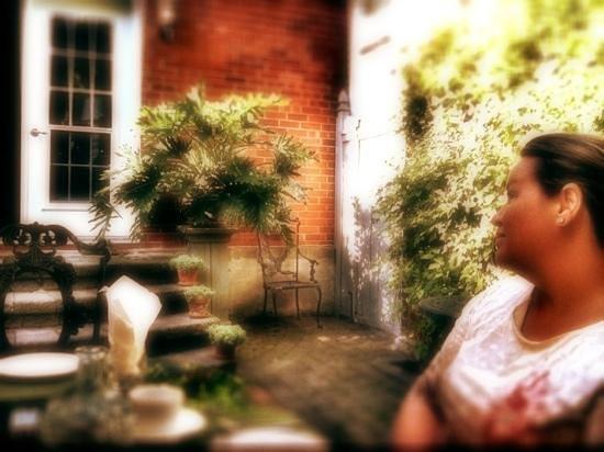 Le Terra Nostra: Breakfast on patio