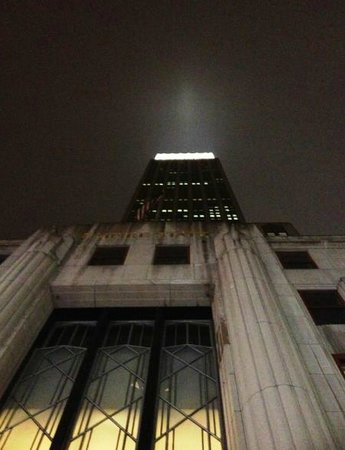 nyma, the New York Manhattan Hotel: Empire State Bldg at night
