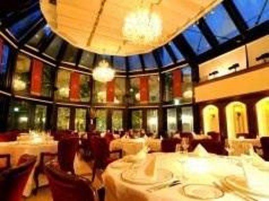 Elysion House Aoyama: 閑静な住宅街にあるレストラン
