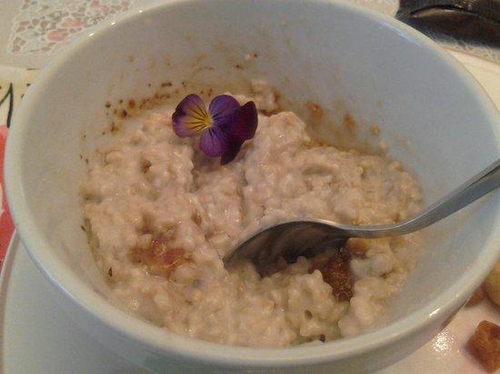 Hamptons House of Gardens Bed & Breakfast : Breakfast