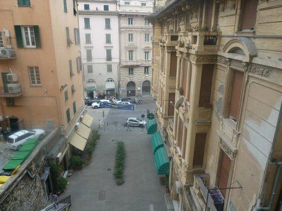 Hotel Vittoria Orlandini : View from breakfast room