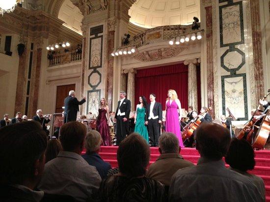 Wiener Hofburg Orchester: Strauss & Mozart Concert