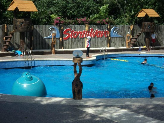 Bosay Resort: Storm Wave