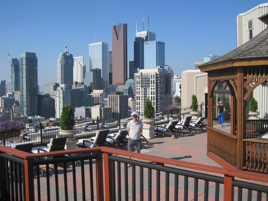 Grand Hotel & Suites: View from the Roof Pool and Spa area