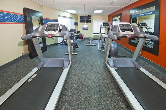 Hampton Inn Corinth: 24 hour fitness center