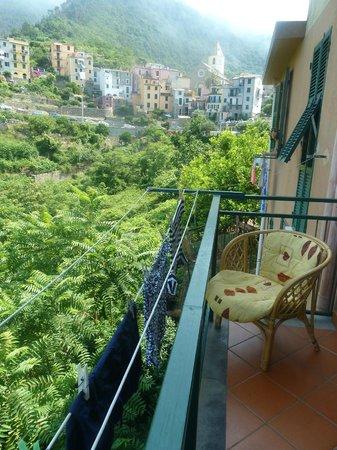 B&B Casa vacanze il Gatto: View from balcony towards the village
