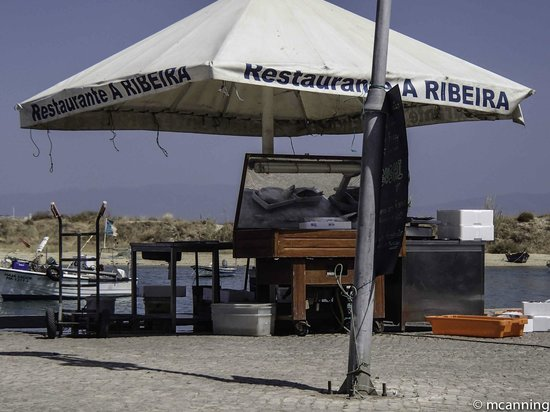 A Ribeira: Choose your fish and have it grilled by the quay
