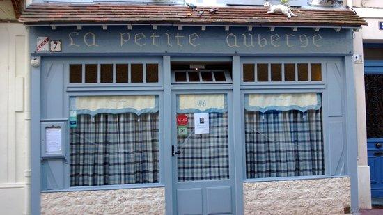 La Petite Auberge : Front side