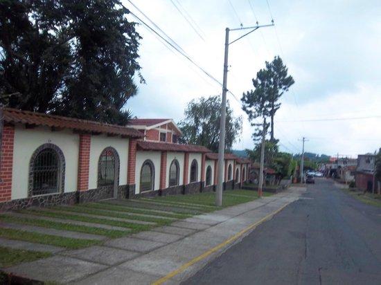 Hotel Posada El Encanto: parqueo