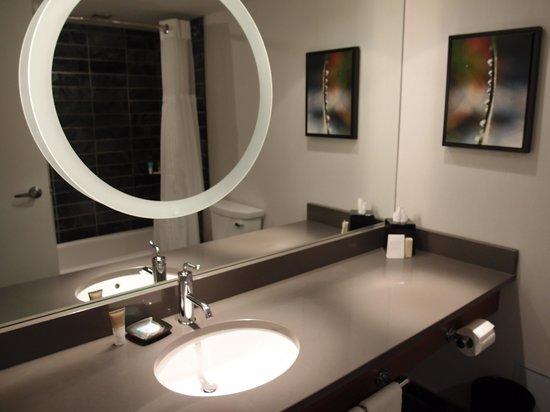 Hyatt Regency Vancouver: Bathroom
