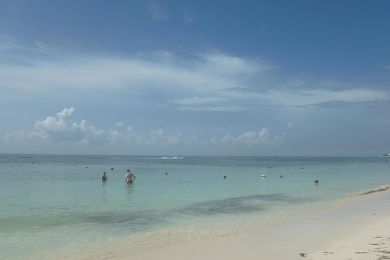 Ocean Maya Royale: A great beach day
