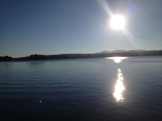 Anchorage at the Lake : Sunrise over the lake