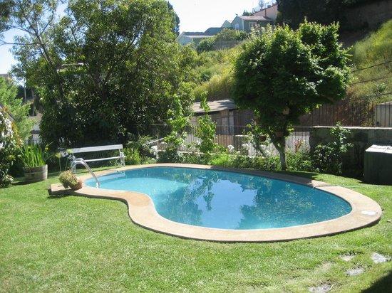 Piscina jardines y terrazas fotograf a de gisela for Terrazas de piscinas
