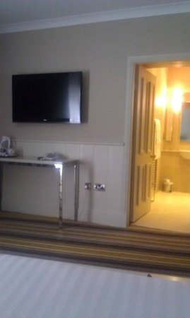 Westcourt Hotel: Triple room