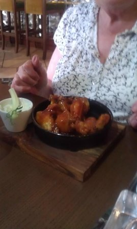 Westcourt Hotel: Starter: Buffalo wings