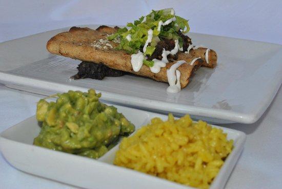 BC Bistro & Cava: Enchiladas verdes