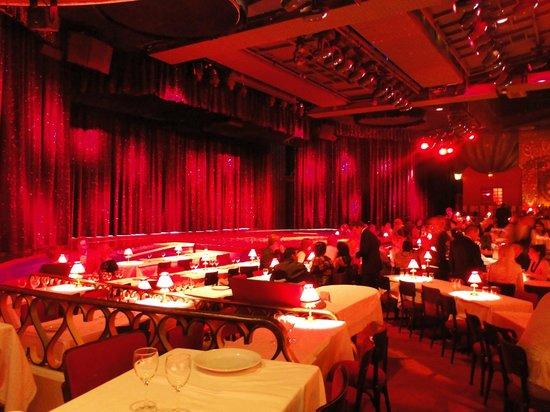 Moulin Rouge: Dentro