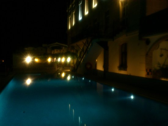 Complejo Turistico Rural La Garganta : night time la garganta